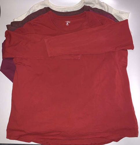 4 Long Sleeve Tee's Size 2X 95/5 Cotton/spandex for sale in Salt Lake City , UT