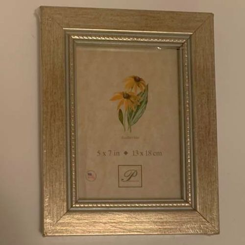 New Golden Wooden Decorative 5 X 7 Picture Frame for sale in Salt Lake City , UT