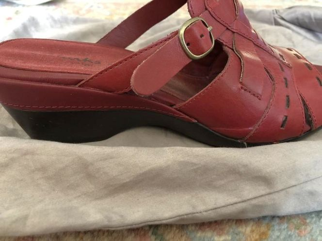 Clark's Slide On Sandal - Size 8 1/2 for sale in Orem , UT