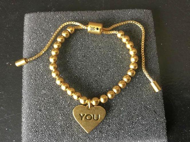 BRAND NEW BEAUTIFUL GOLD CHARMED BRACELET for sale in Herriman , UT