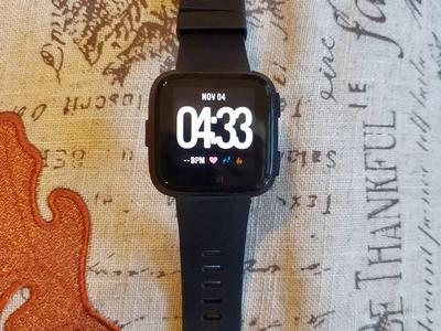 FITBIT VERSA 2 SMART WATCH IN PERFECT CONDITION