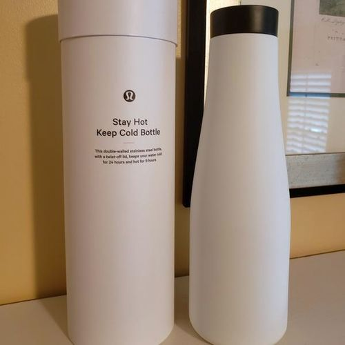 NWT Lululemon Stay Hot Keep Cold Water Bottle  for sale in Salt Lake City , UT