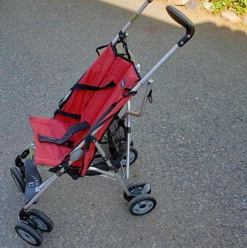 Chicco folding stroller  for sale in Salt Lake City , UT