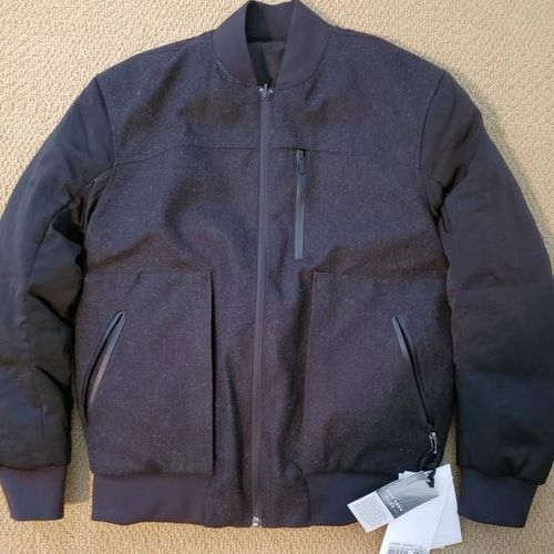 NWT LULULEMON REVERSIBLE DOWN COAT SZ 4 for sale in Salt Lake City , UT
