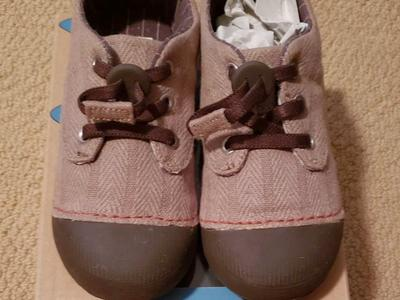 NEW TODDLER SIMPLE BRAND US SIZE 10 SHOES
