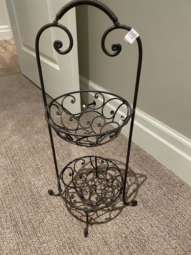 New two tier metal  basket stand for sale in Murray , UT