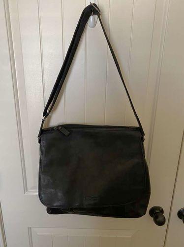 Kenneth Cole Reaction Messenger Bag  for sale in Orem , UT