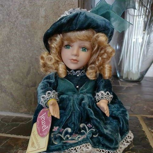 Porcelain music box doll for sale in Provo , UT