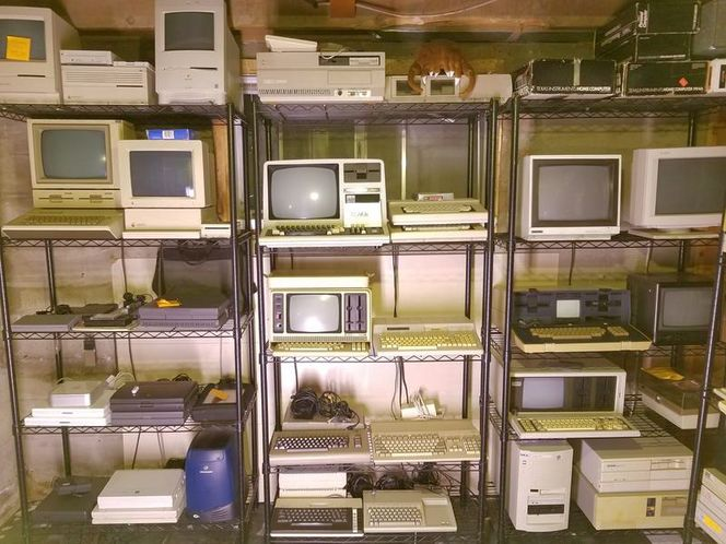 I want your old vintage retro computers! wanted in Taylorsville , UT