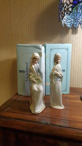 Lladro Girl with Calla Lilies for sale in Ogden , UT