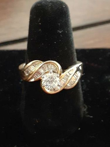 Beautiful wedding or engagement ring for sale in Roy , UT