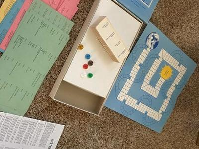 Mid Century Vintage 1970 Quest Board Game.