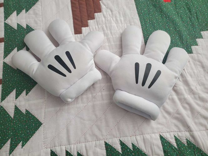 Mickey Mouse Gloves for sale in Sandy , UT