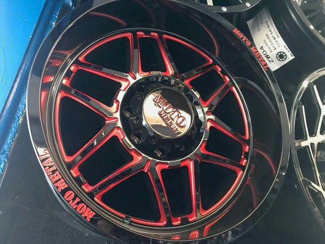 THIS IS A FULL SET OF BRAND NEW WHEELS MOTO METAL RED & BLACK 20X10 for sale in Salt Lake City , UT