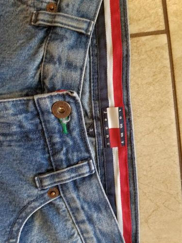 TOMMY JEANS BRAND CROPS SIZE 3 for sale in Salt Lake City , UT