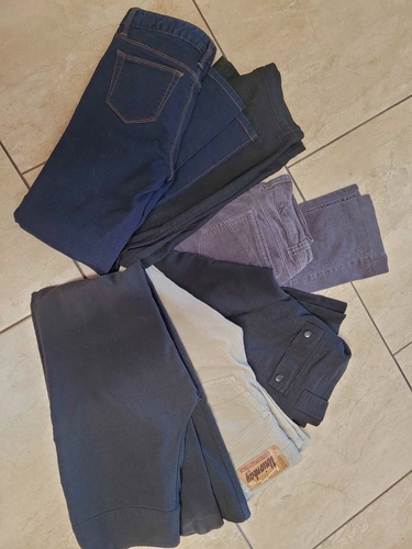 PANTS AND JEANS SIZES 0,1,3,5,7. for sale in Salt Lake City , UT