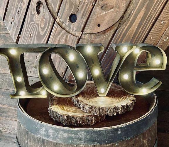 """LOVE"" Sign❤️ Rental for rent in Centerville , UT"