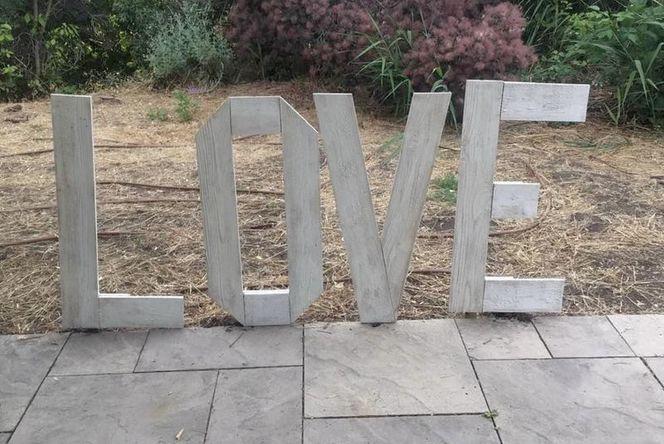 """""""LOVE"""" Sign ❤️Rental❤️ for rent in Centerville , UT"""