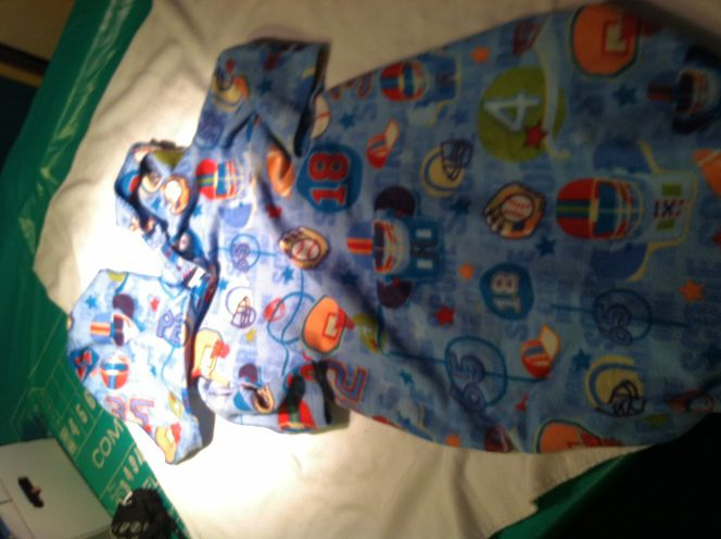 Snuggy type blanket for sale in Taylorsville , UT