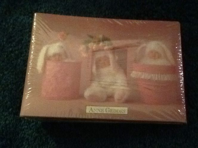 Photo book by Anne Geddes $1.00 for sale in Taylorsville , UT