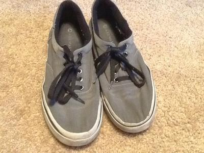 AIRWALK SHOES BLACK & GRAY BOYS SIZE 7