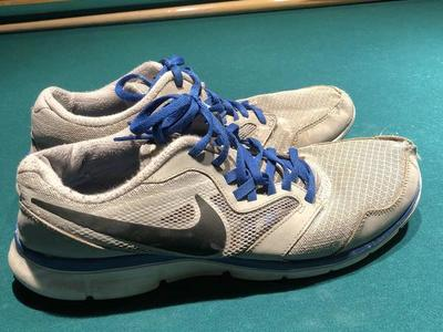 Nike running shoes men's size 9-1/2 gray blue lace
