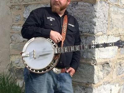 Banjo player for studio work or lessons