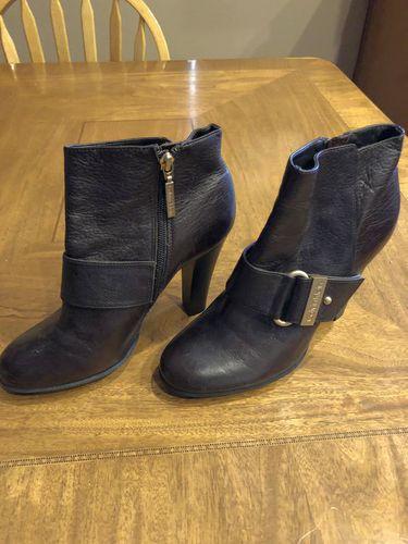 Size 8 Women's Calvin Klein Boots for sale in Woods Cross , UT