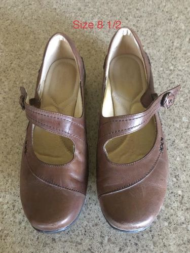 Size 8 1/2 Strictly Comfort Shoes for sale in Woods Cross , UT