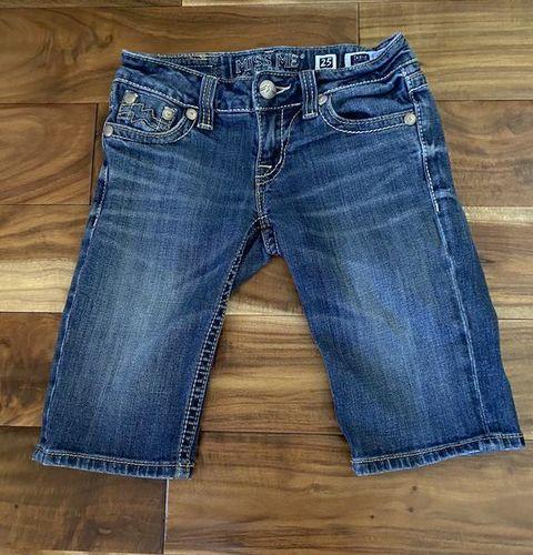 Women's Size 25 Buckle Miss Me Shorts for sale in Woods Cross , UT