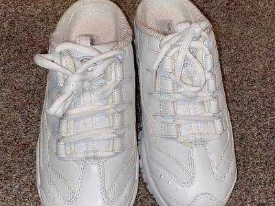 New Women's Size 8 Sketchers Shoes