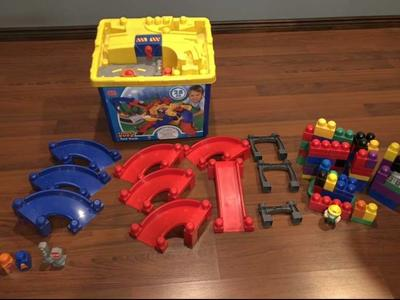 Mega Blocks Fast Track Set