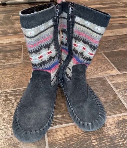 Size 4 Girls Boots for sale in Woods Cross , UT