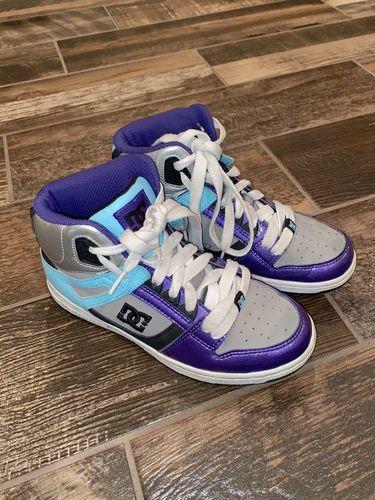 Women's Size 7 DC Hightop Shoes for sale in Woods Cross , UT
