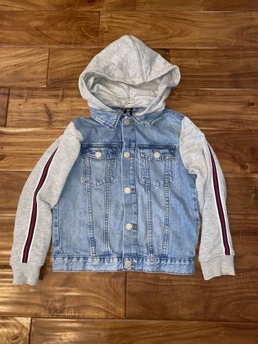 Boys Size 8 H&M Levi Jacket for sale in Woods Cross , UT