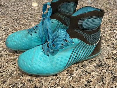 Indoor Soccer Cleats Size 6 1/2