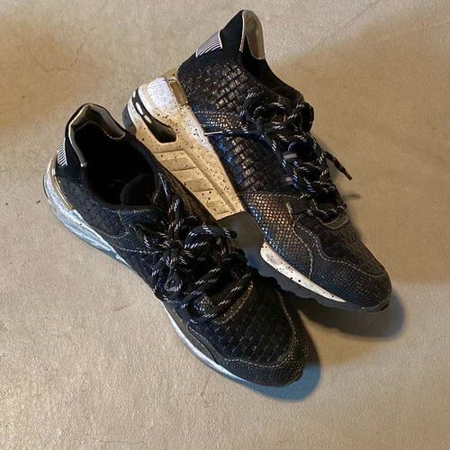 Size 8.5 VLado Shoes for sale in Ogden , UT