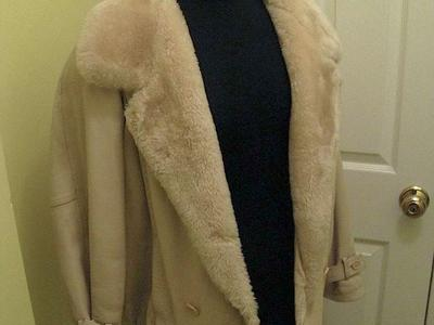 Ladies Leather Almond Color Coat/Jacket w/Faux Fur Collar and Trim, Beautiful
