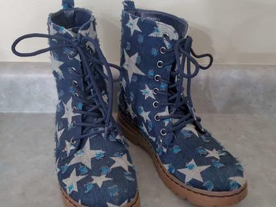 Size 6 1/2 blue star boots
