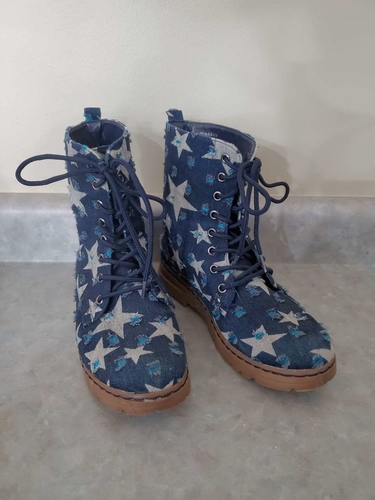 Size 6 1/2 blue star boots for sale in Kaysville , UT