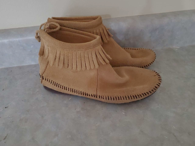 Leather moccasin booties size 5.5 for sale in Kaysville , UT