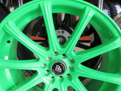 SET OF BRAND NEW WHEELS WHITE DIAMOND 18X8 GREEN