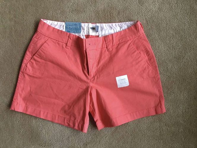 NEW Old Navy Coral Shorts, women's size 2 for sale in Millcreek , UT
