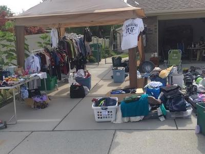 Tons Of Clothes!!! Most Items $1ea Or Less(Sorted by size)