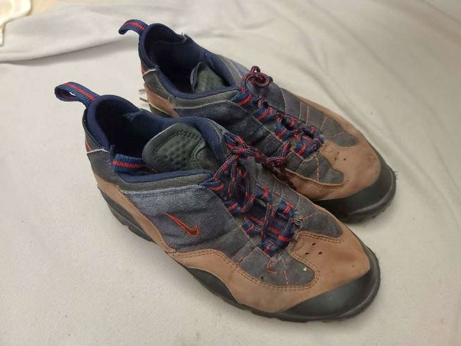 Mens Nike hiking shoes 10 size for sale in West Jordan , UT