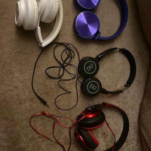 Headphone Lot Of 4  for sale in Salt Lake City , UT
