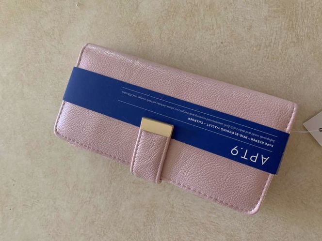 Pink wallet new for sale in Kaysville , UT