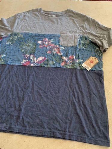 Hawaiian shirt Size XL for sale in Kaysville , UT