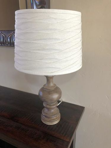 Cute Table Lamp for sale in Santa Clara , UT