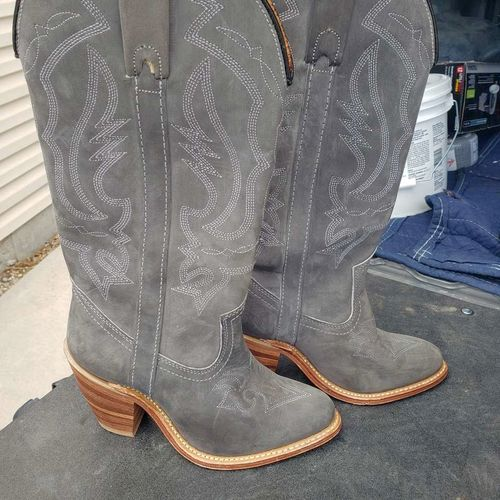 Like new gray leather boots. Capezio West for sale in West Jordan , UT